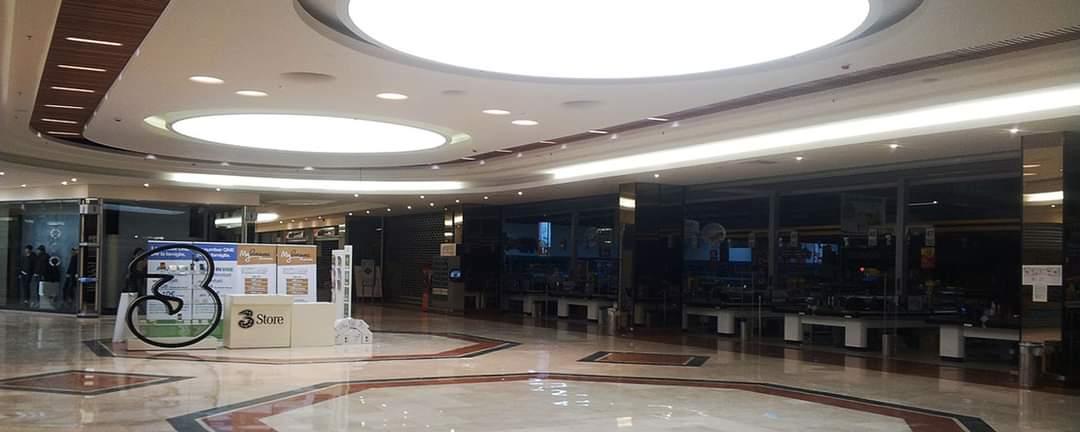 Soffitti Tesi TensoCielo, l'installazione nei centri commerciali  e i vantaggi